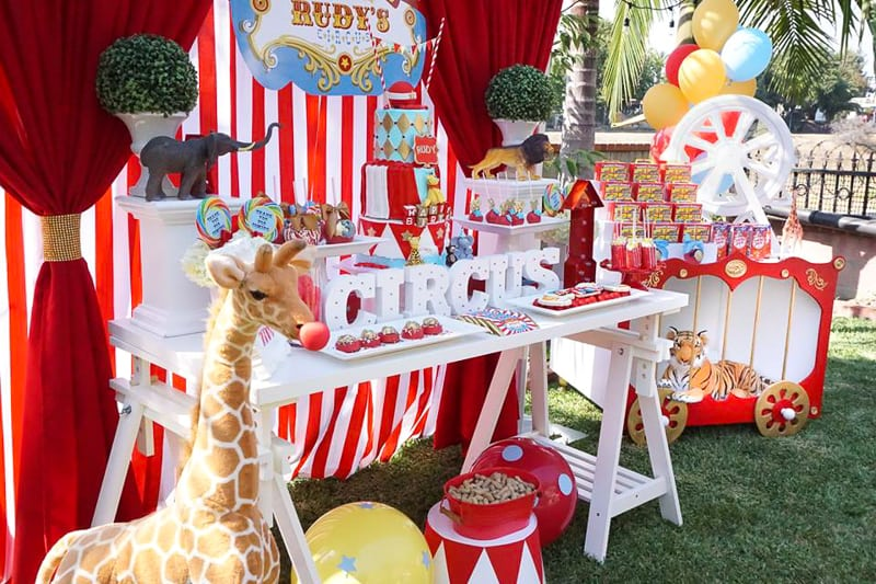 The Epic Circus Party Was Filled With Themed Desserts Fun Decorations And Games