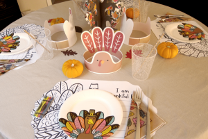 Free printables for a kids table at Thanksgiving. These hats are goobly good.