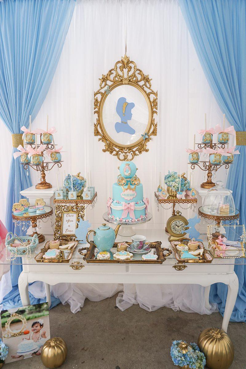 Cinderella-party-dreamy-princess-birhday