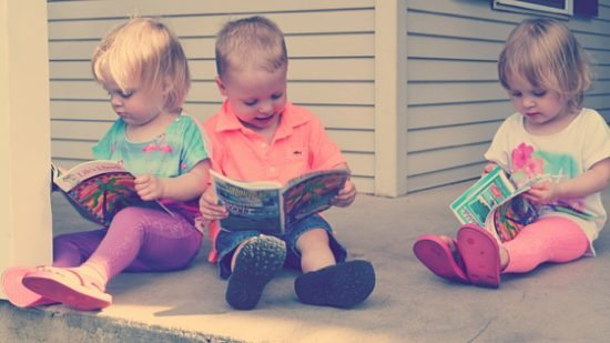 Summertime reading toddlers