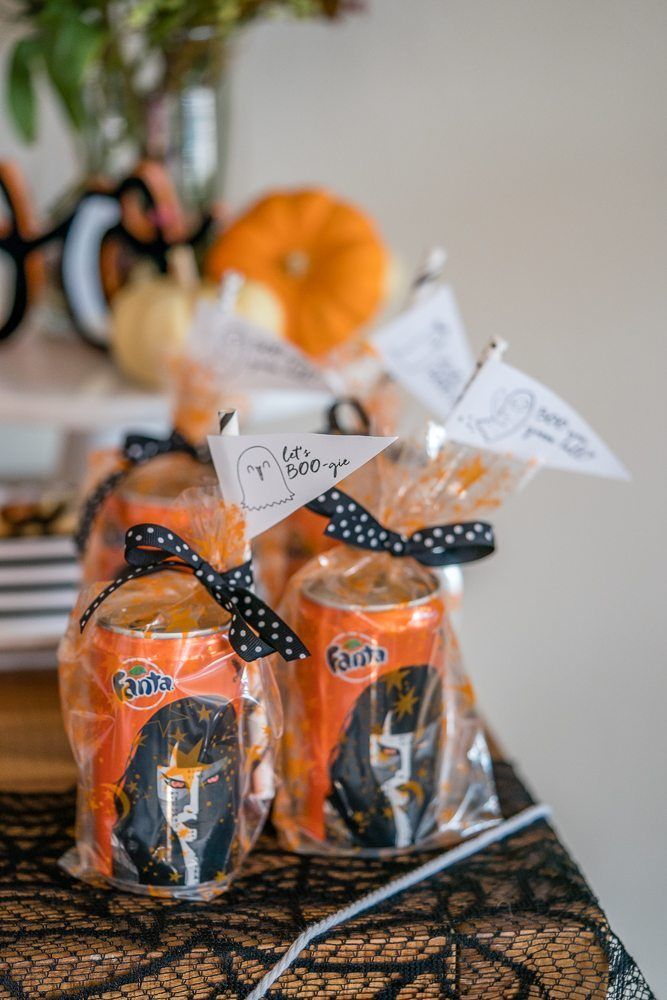 Fanta Soda Special Edition Halloween Cans make great party favors. Check out the whole party.