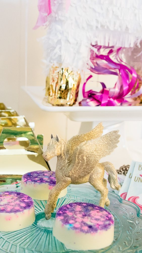 DIY Golden Sparkling Unicorn Party Decoration