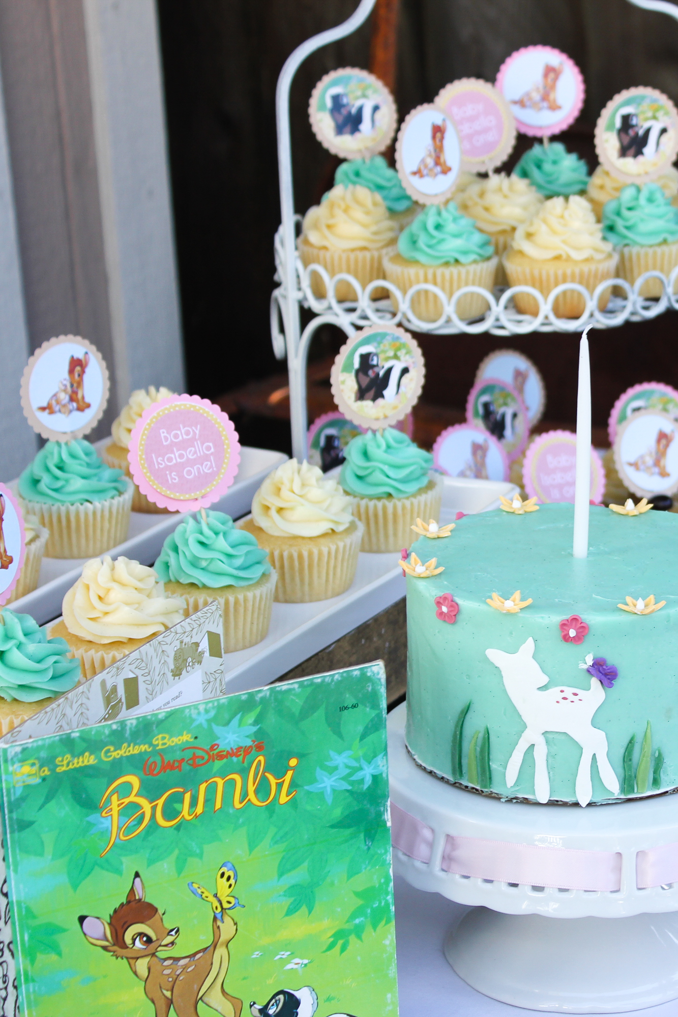 What a cute Little Golden Book Party | Bambi and Poki Little Puppy #kidsbirthdayparty #partytheme #littlegoldenbooks