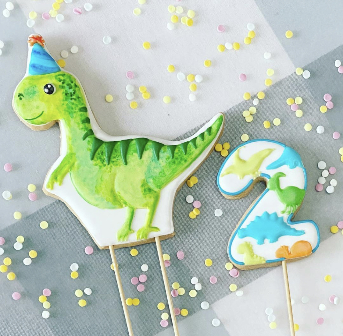 8 Dinosaur Cookies You Can Buy - Decorated Icing